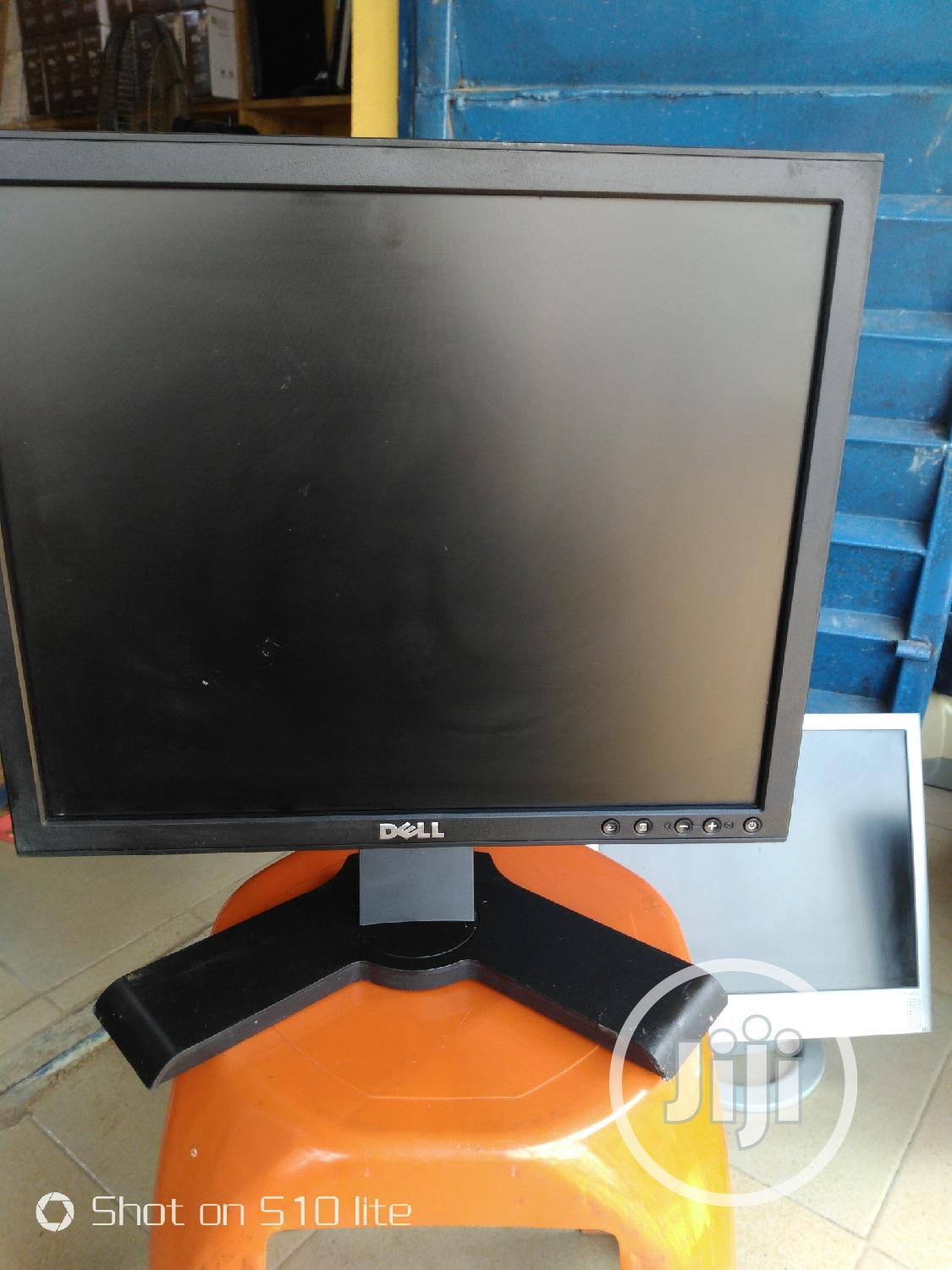 "Dell 17"" Monitor 