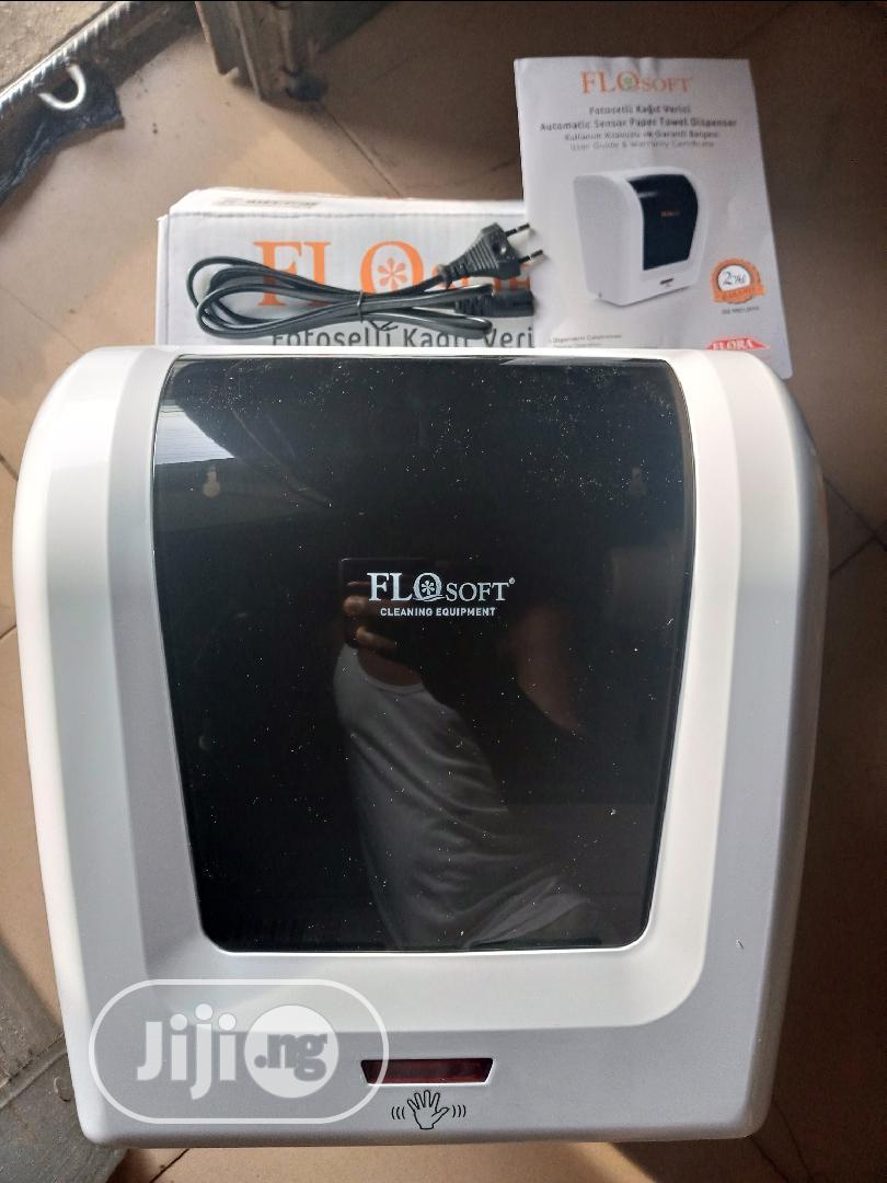 Archive: Tissue Dispenser