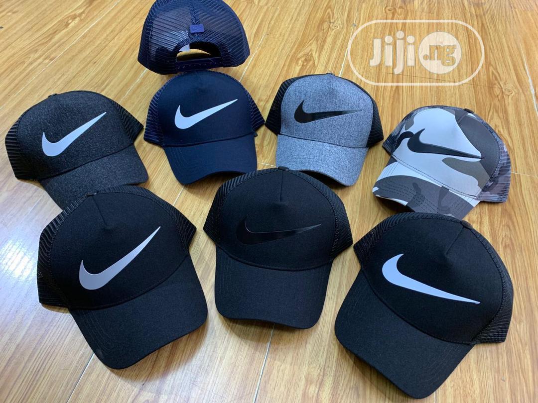 Nike Facecap