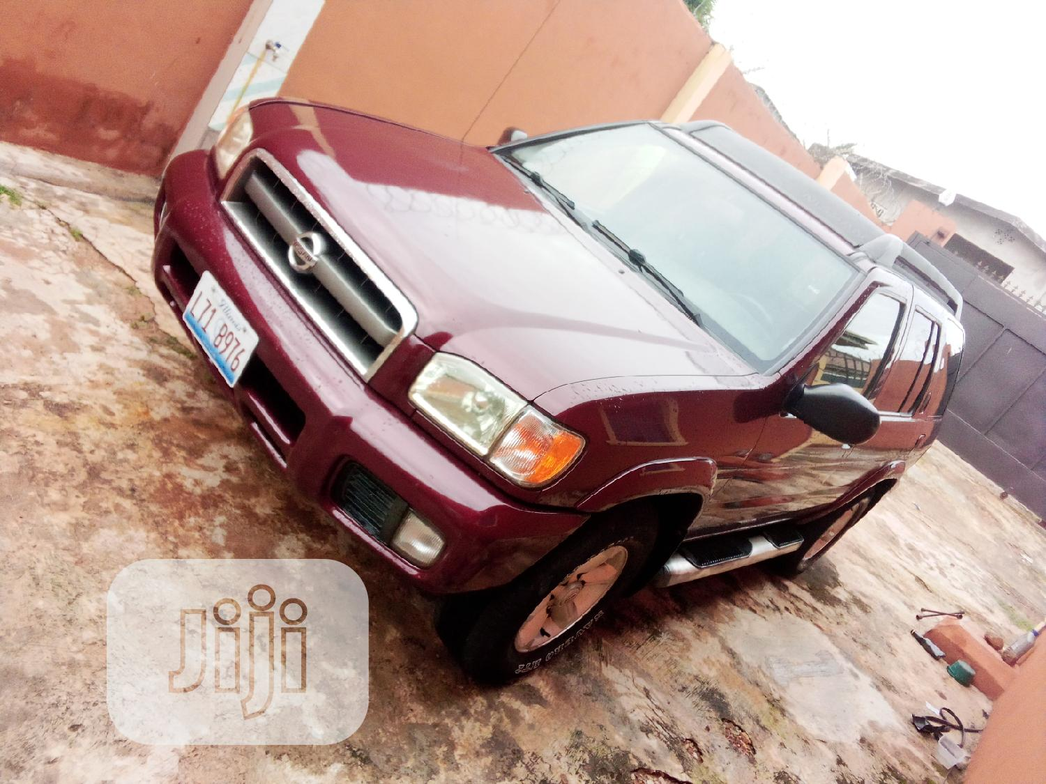Archive: New Nissan Pathfinder 2005 LE Pink