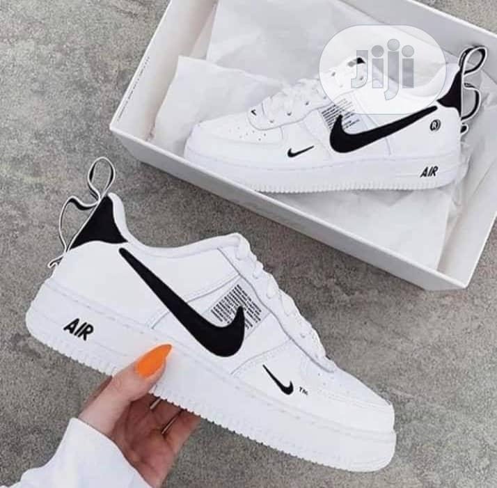 Ladies Nike Sneakers in Ojo - Shoes