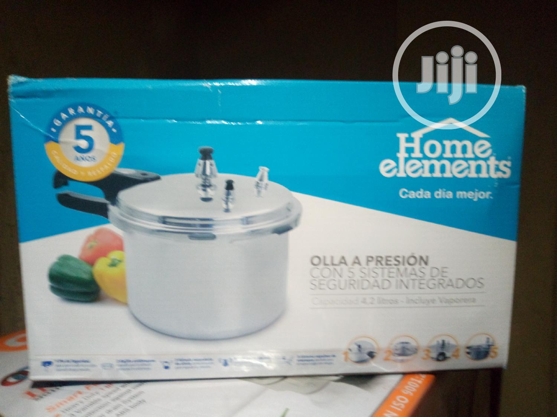 4.2L Pressure Pot/Cooker With Steamer