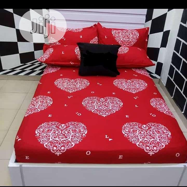 6 by 7 Duvet,Bedsheets and 4 Pillows