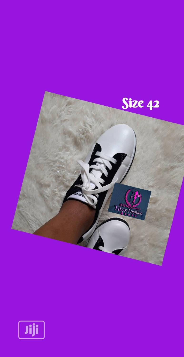 White Unisex Sneakers | Shoes for sale in Ifako-Ijaiye, Lagos State, Nigeria