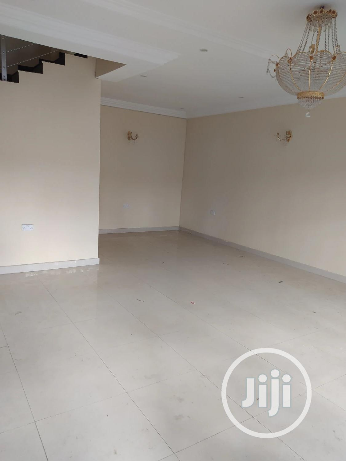 Archive: 4bedroom Terrace For Rent