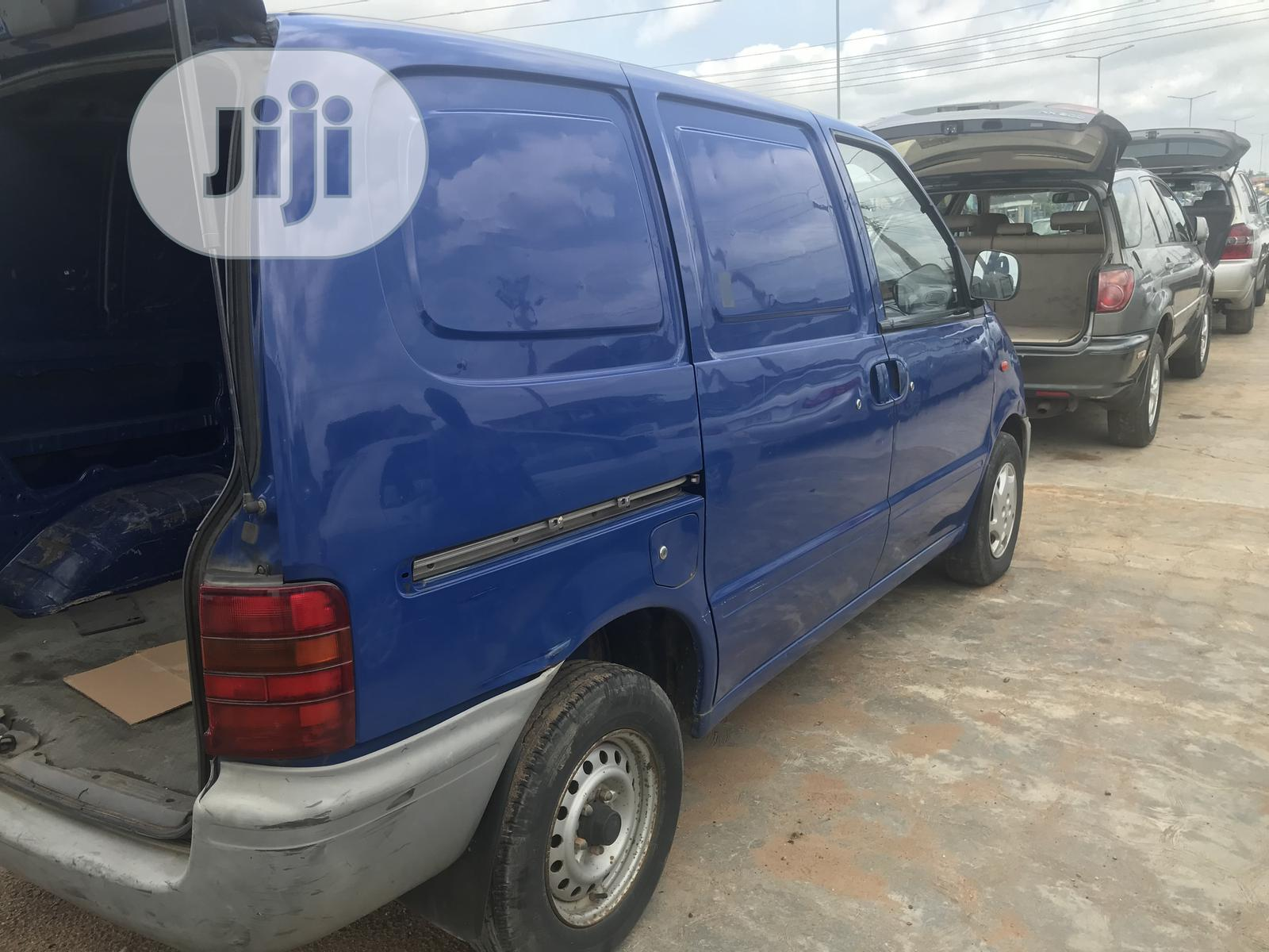 Nissan Serena Blue 1998 | Buses & Microbuses for sale in Osogbo, Osun State, Nigeria
