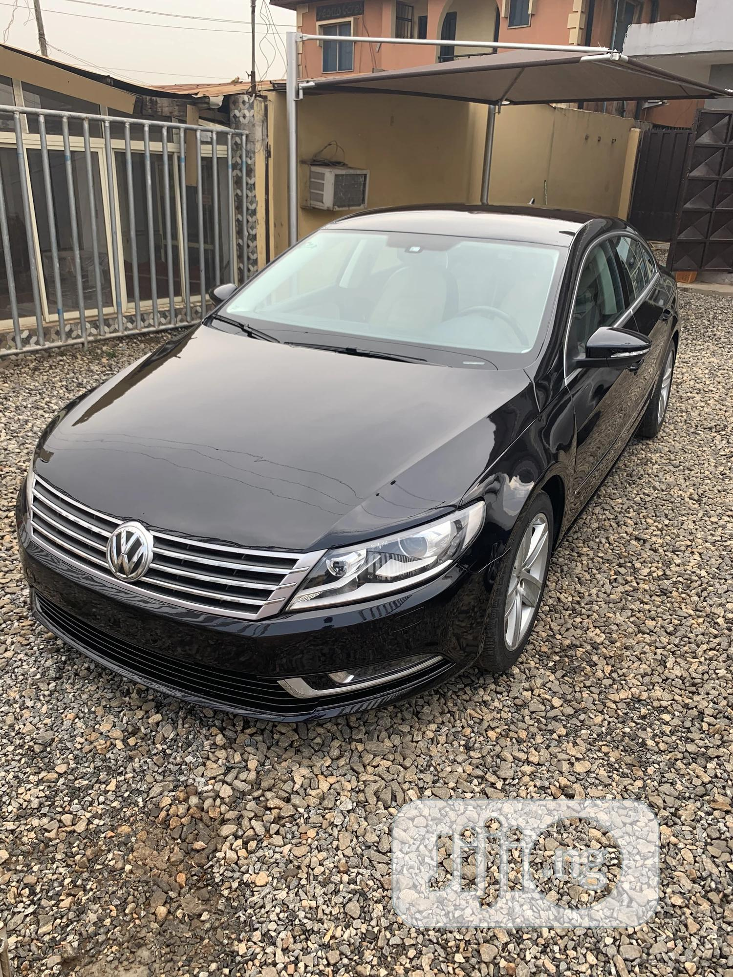 Volkswagen Passat 2013 S with Appearance Package Black