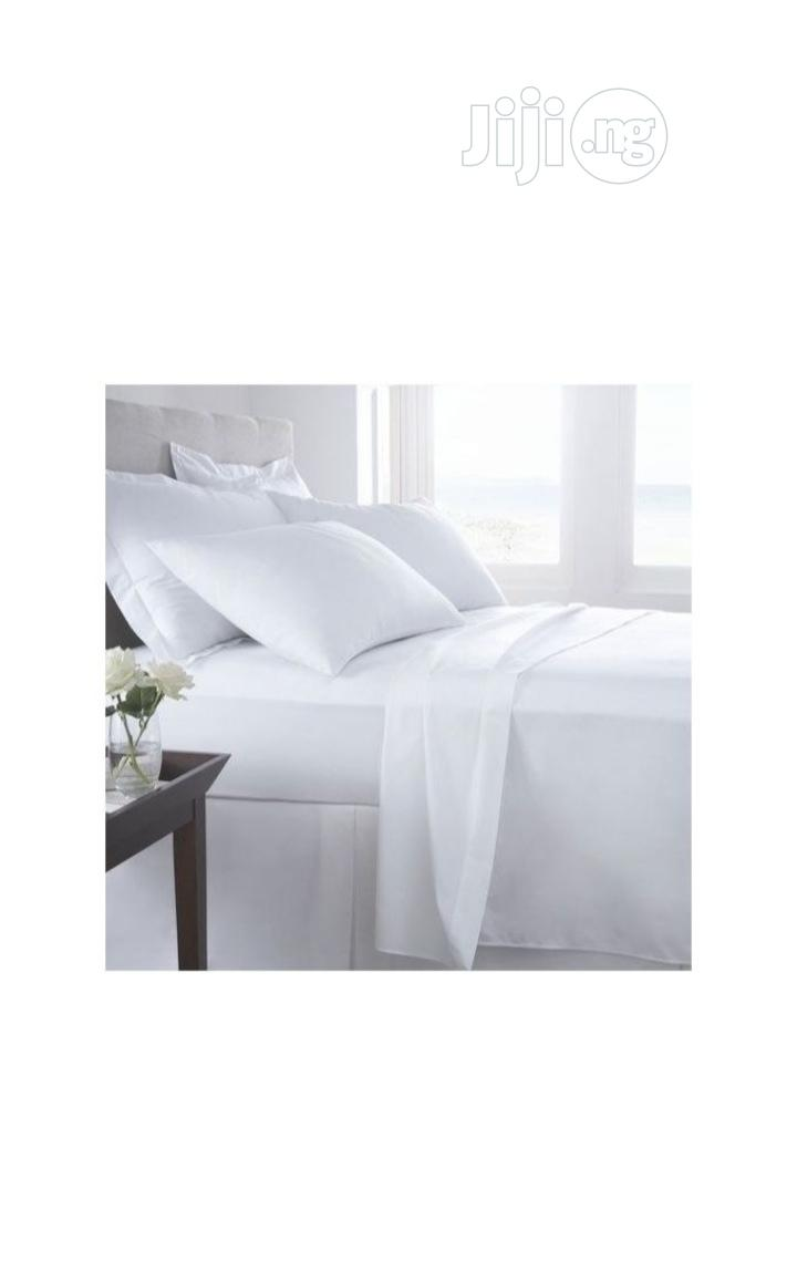 100% American Cotton Plain White 6ft By 6ft Bedsheet With 4pillowcases
