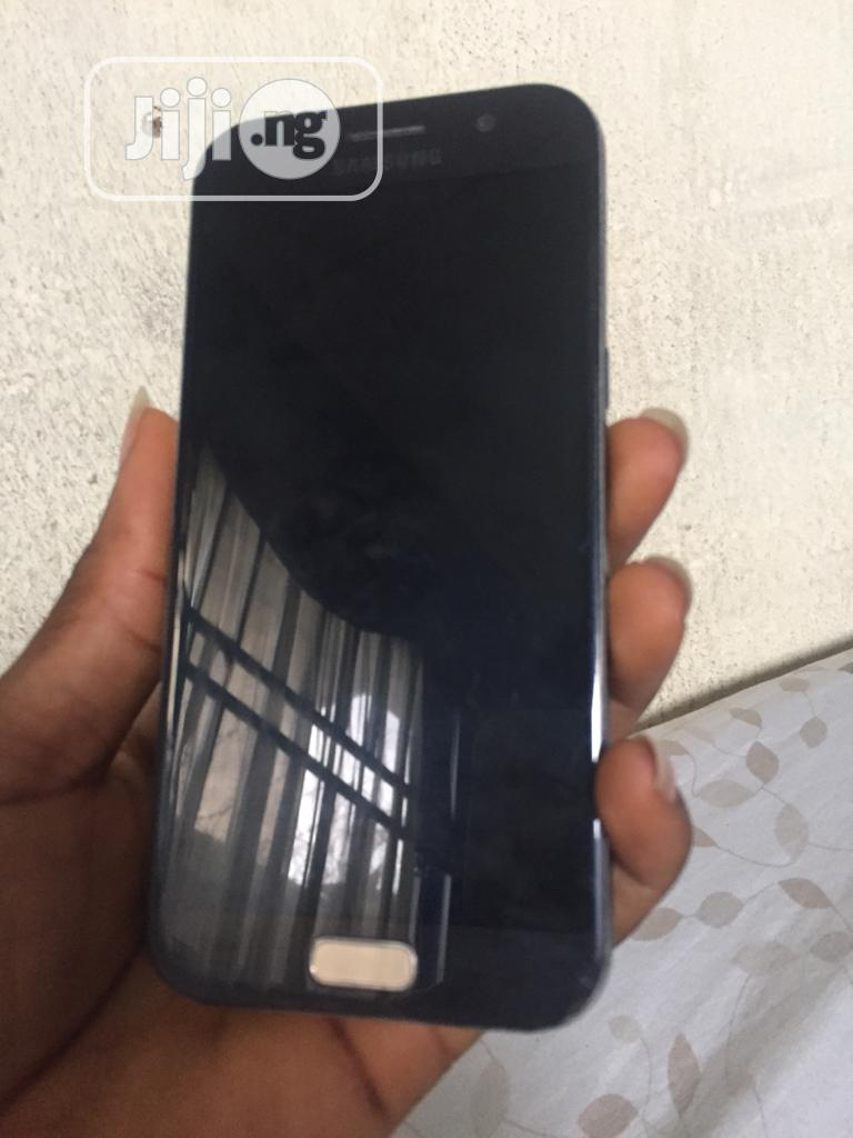 Archive: Samsung Galaxy A5 Duos 16 GB Black
