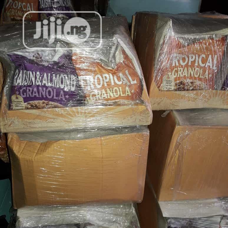 Granola (Raisin&Almond And Tropical