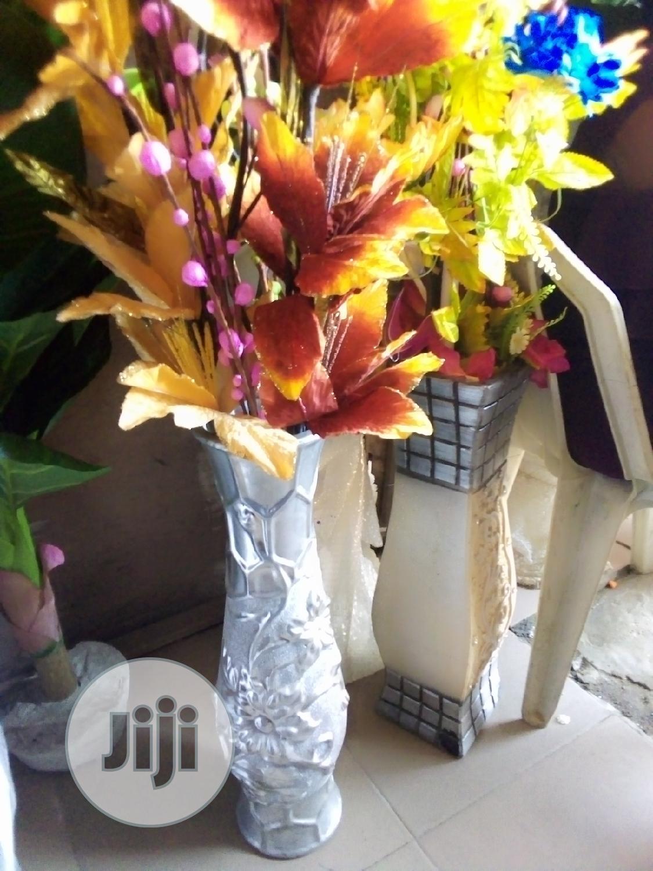 Unique Ceramics Flower Vase With Flowers