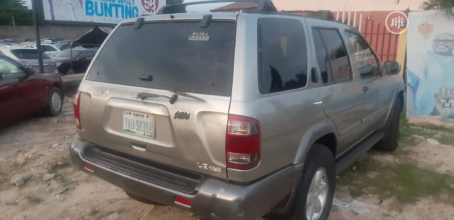 Archive: Nissan Pathfinder 2001 Automatic Silver
