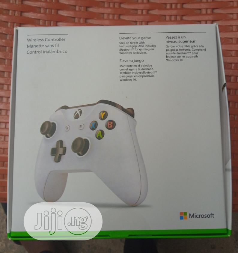 Xbox One S X Controller With Bluetooth | Accessories & Supplies for Electronics for sale in Ikeja, Lagos State, Nigeria