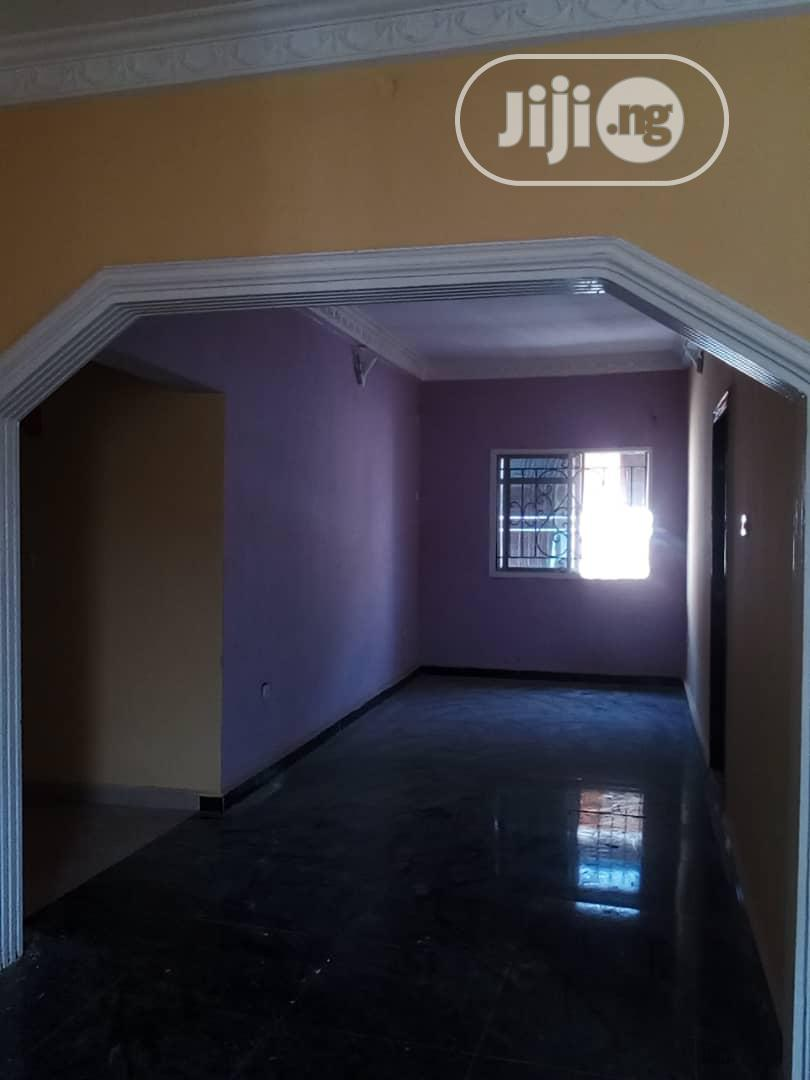 Lovely 3 Bedroom Flat for Rent in an Estate at Aboru | Houses & Apartments For Rent for sale in Alimosho, Lagos State, Nigeria