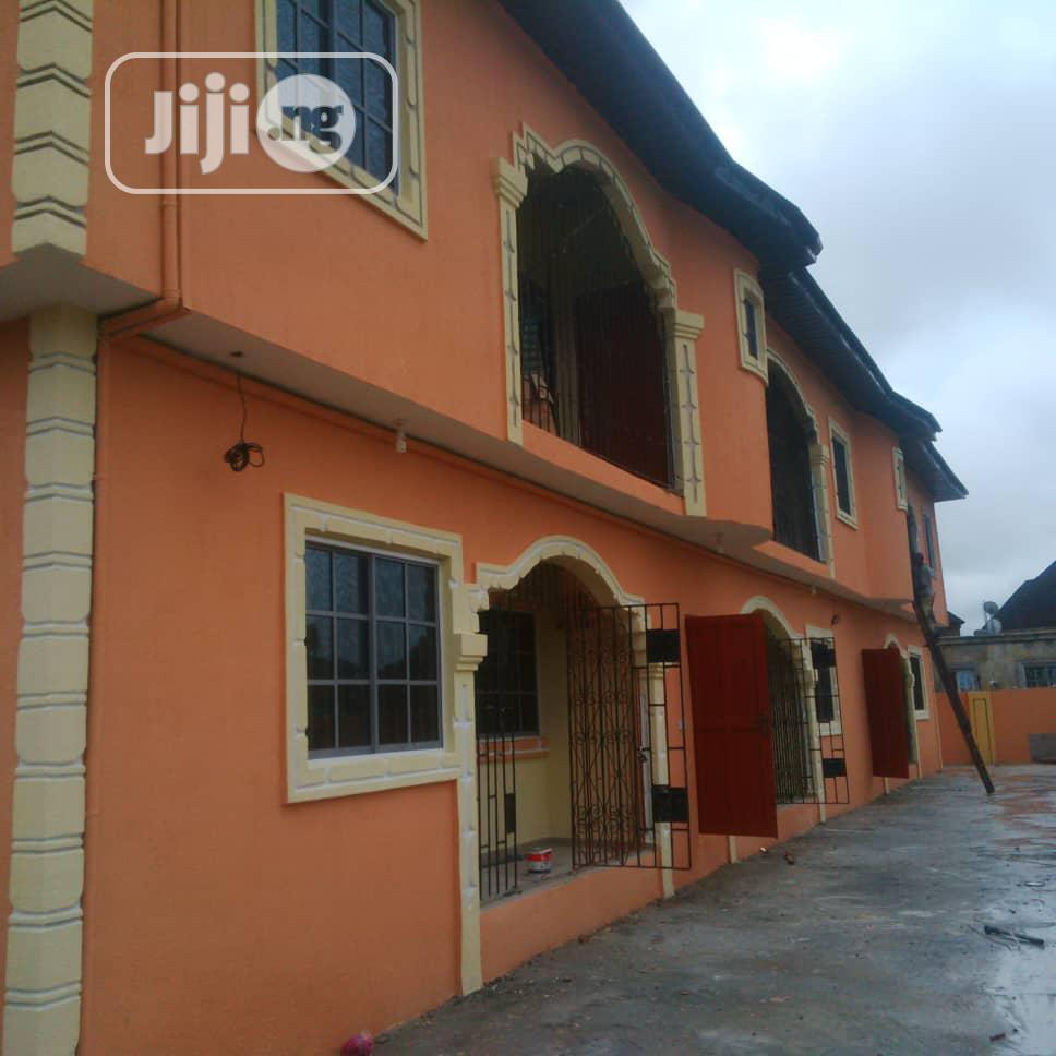 6 Flat For Sale At Ugbolokposu, Warri