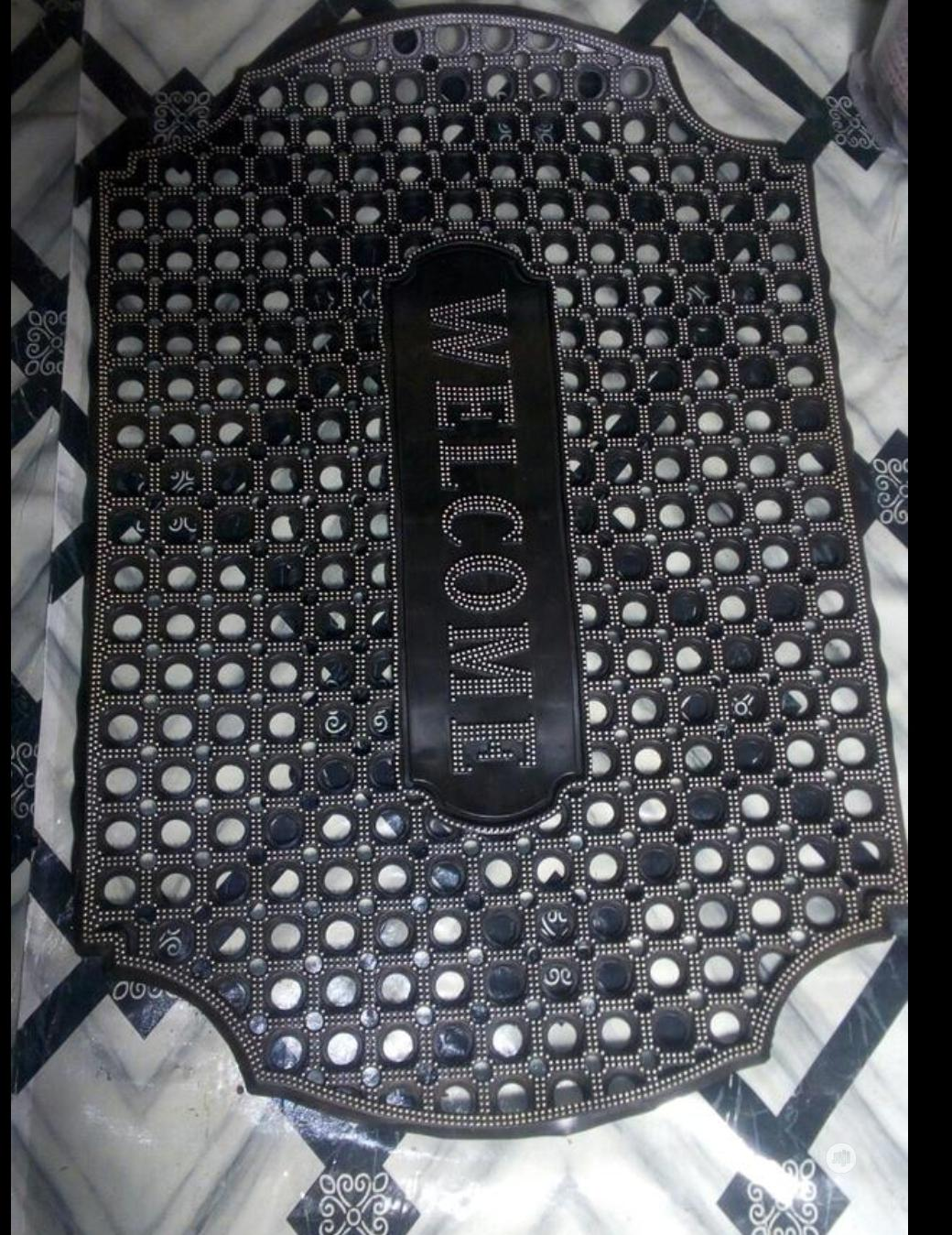 Hollow Welcome Footmat