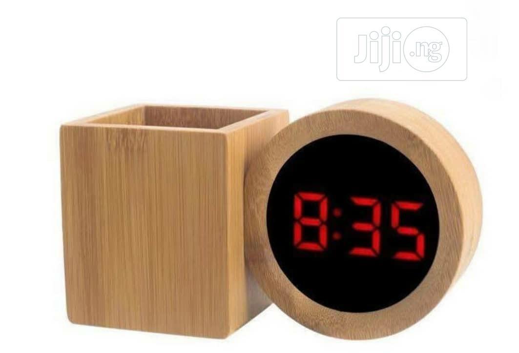 Archive: Wooden Pen Holder Ans Clock