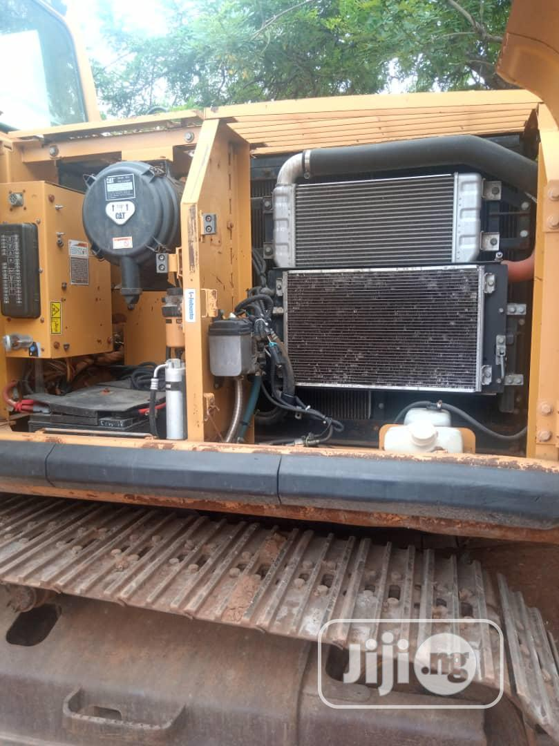 Excavators 320CL 2003 Hydraulic For Sale | Heavy Equipment for sale in Magodo, Lagos State, Nigeria