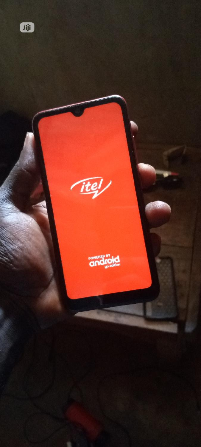 Archive: Itel S15 16 GB Red