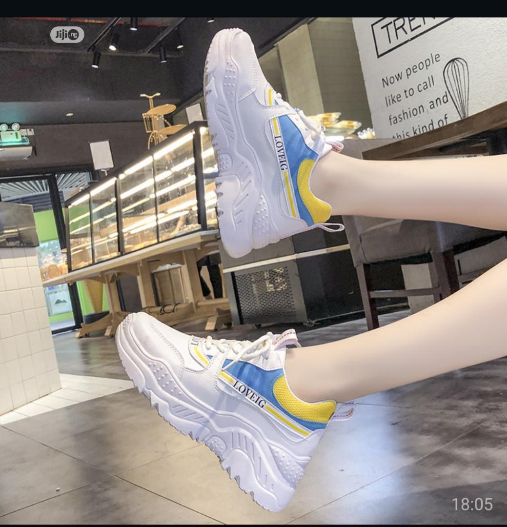 Fashion 2020 Trendy Sneaker in Ifako