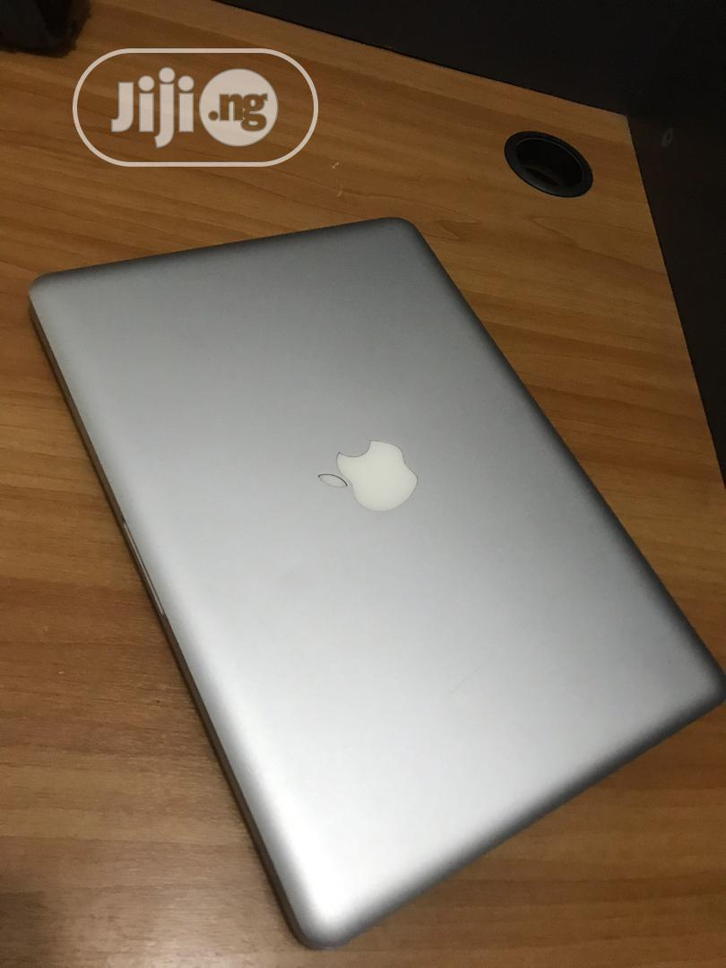 Laptop Apple MacBook Pro 4GB Intel Core I5 500GB