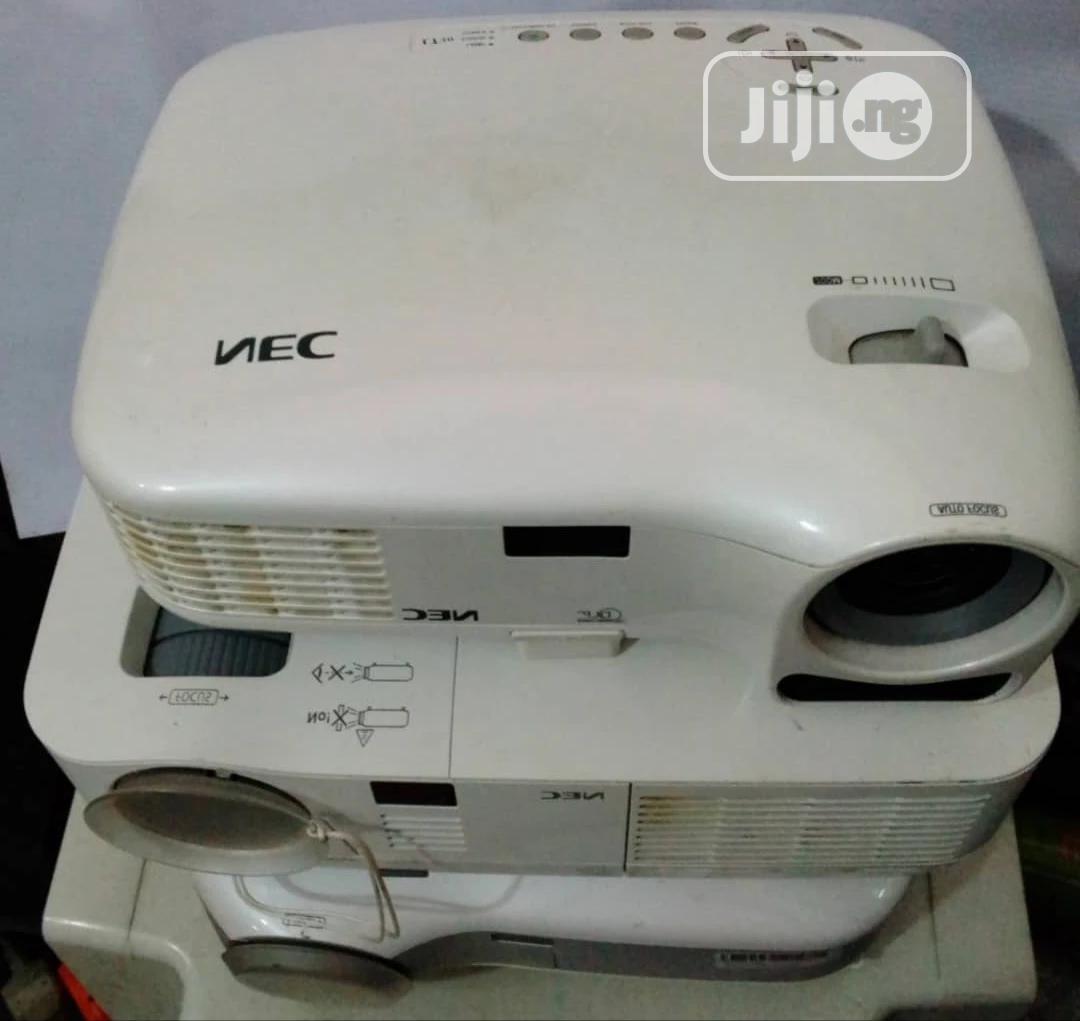 Unique Nec Projector