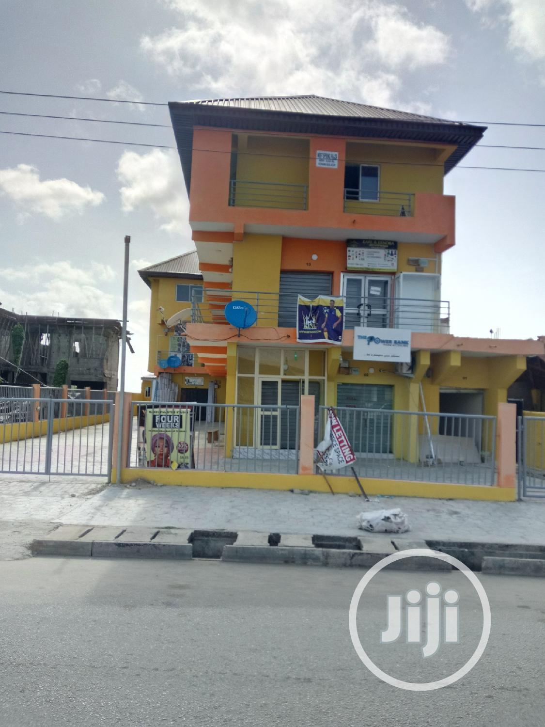 Massie Shop For Lease At Addo Road. Price:400 500.