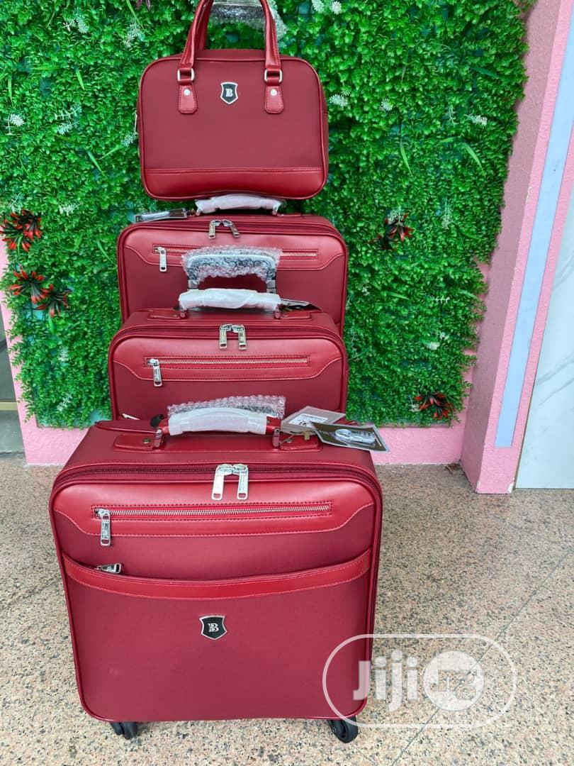Archive: Travel Luggage Set - 4