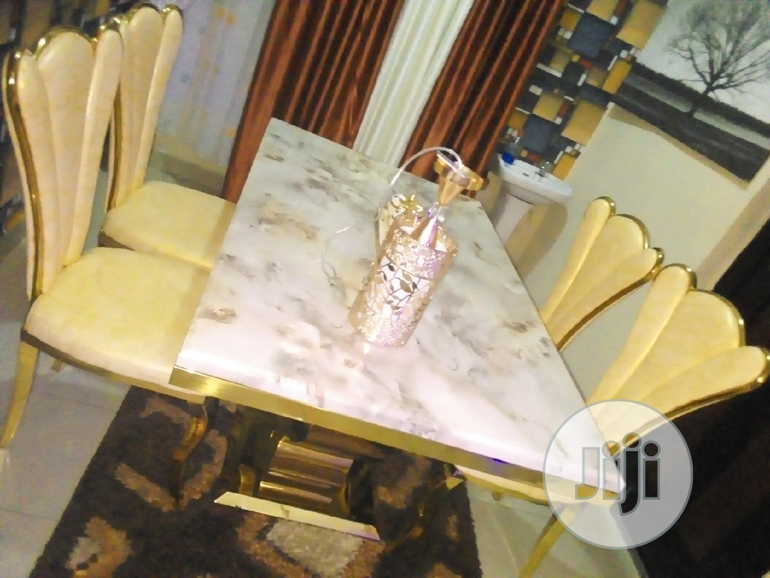 Good Quality Executive Dining Table Gold Color 4 Seaters