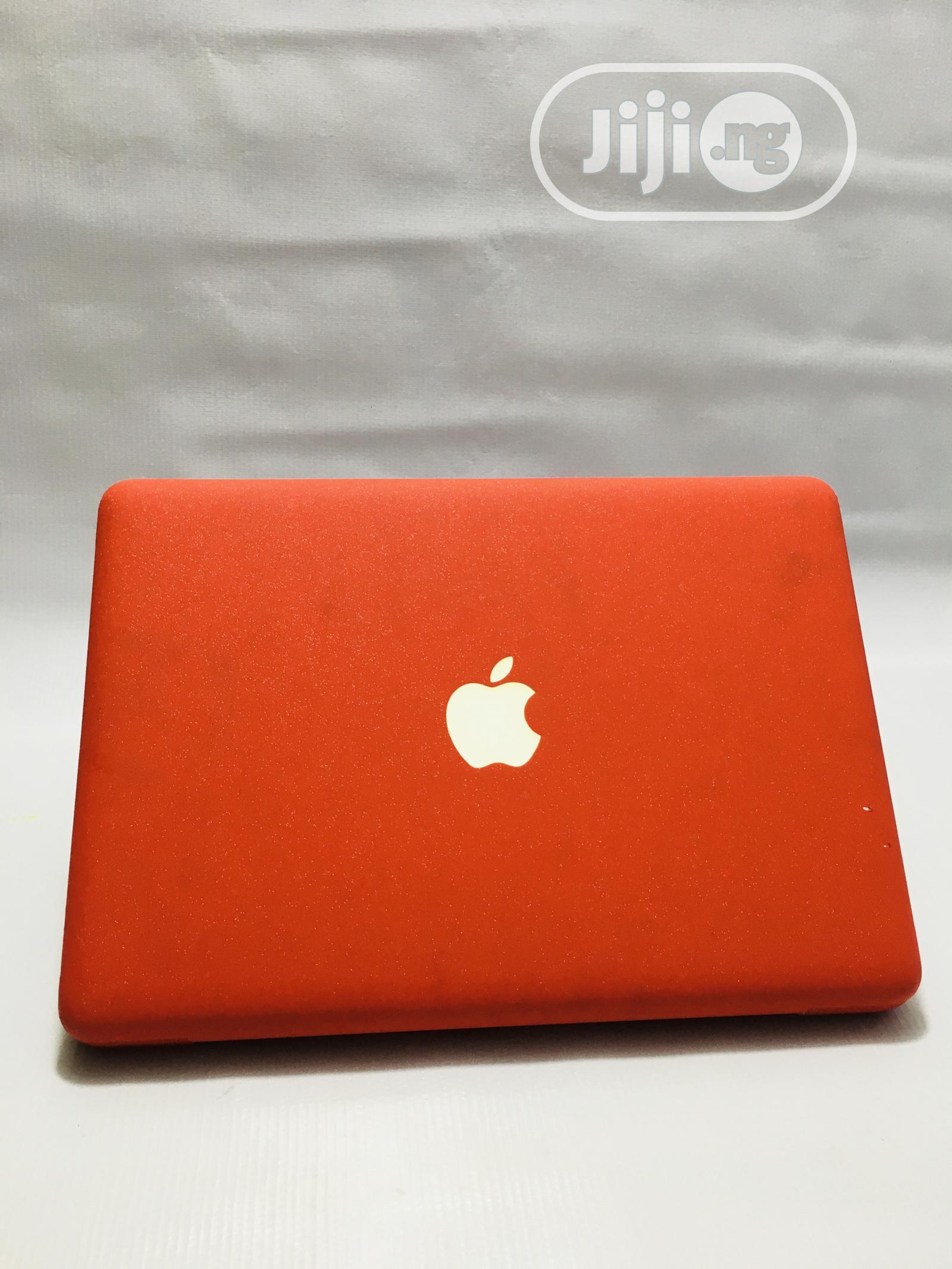 Archive: Laptop Apple MacBook 4GB Intel Core 2 Duo HDD 250GB