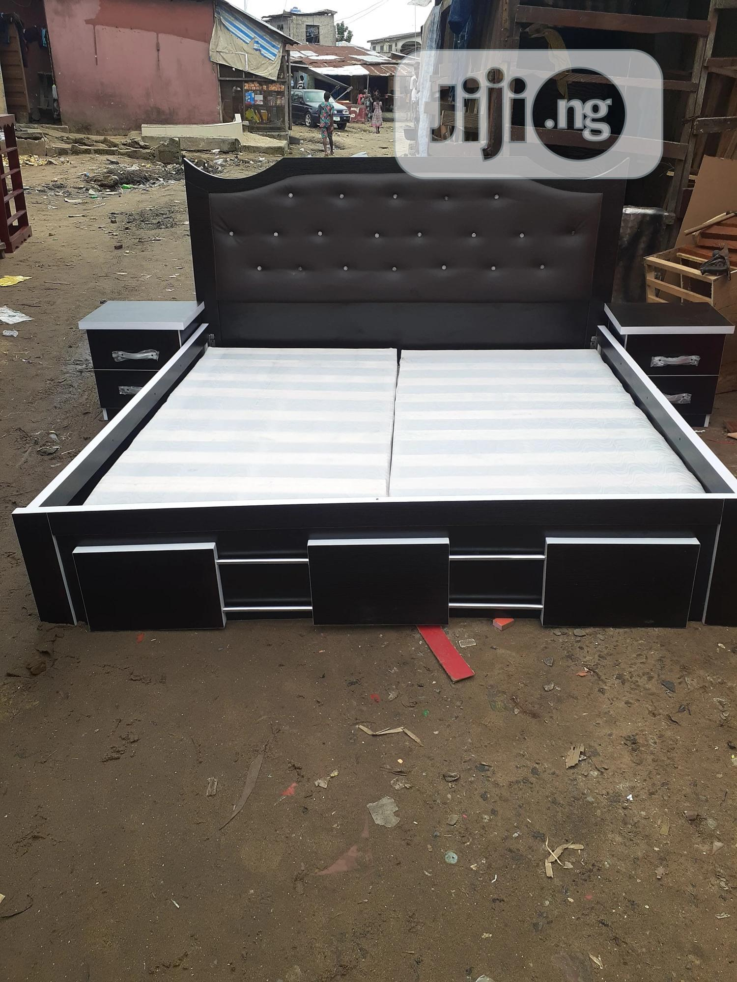 6by6 Bed Frame With Double Side Drawer
