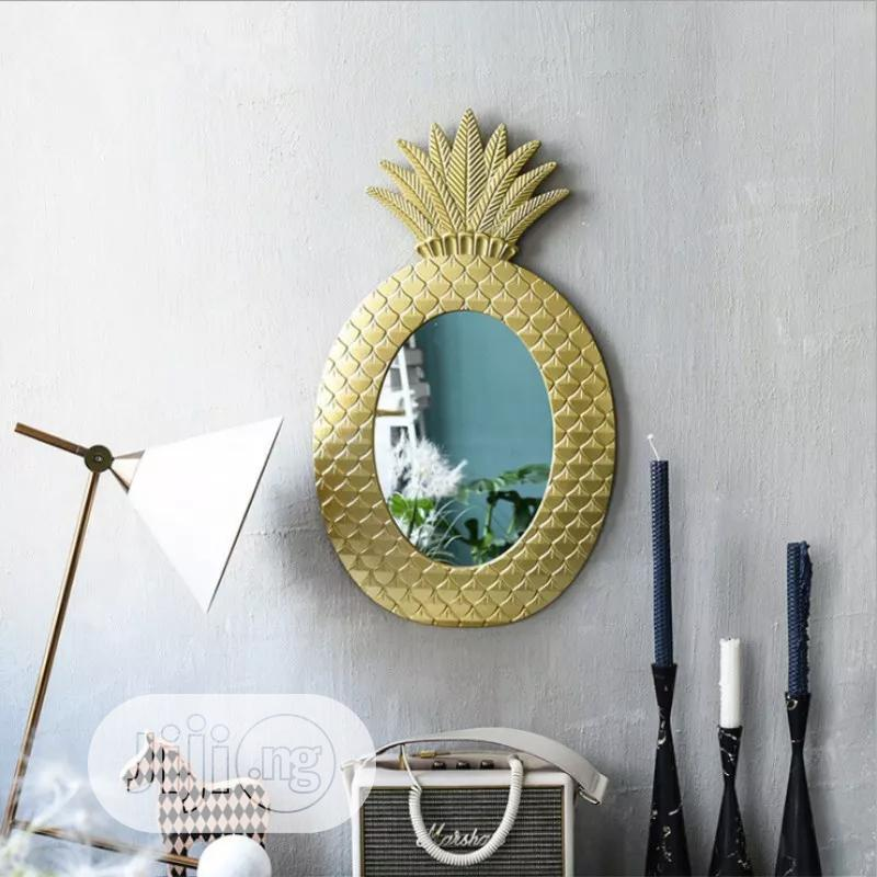 Pineapple Shape Wall Mounted Mirror