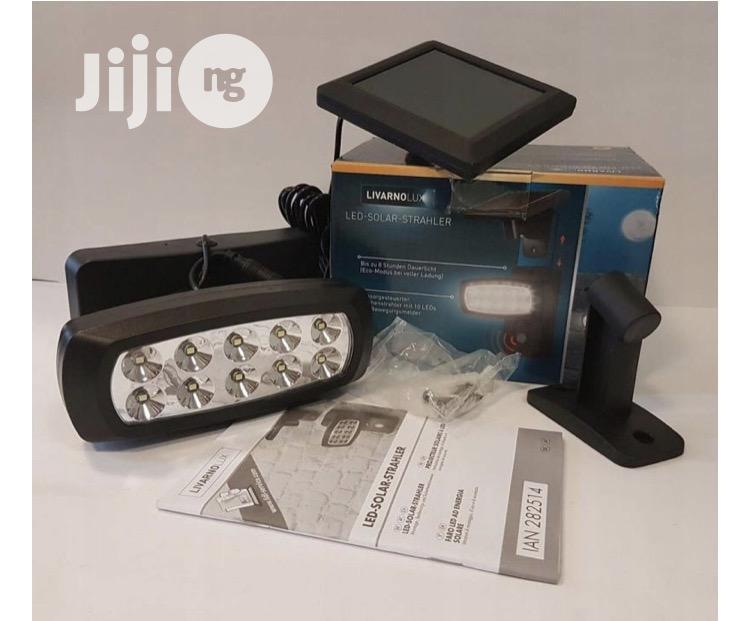 LED SOLAR Spotlight With Motion Detector, NEW!
