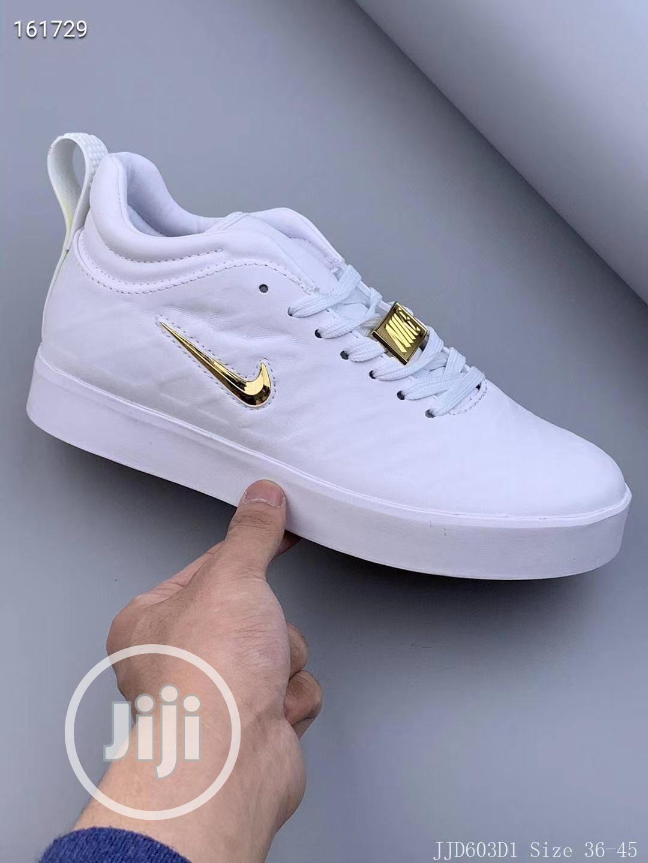 Nike Tiempo Vetta 17 Sneakers in Wuse