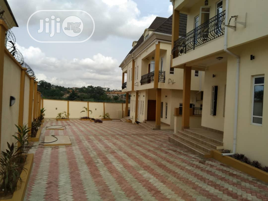 Luxury Built Fully Detached 5bedroom Duplex In Magodo Phase 2 | Houses & Apartments For Sale for sale in Magodo, Lagos State, Nigeria