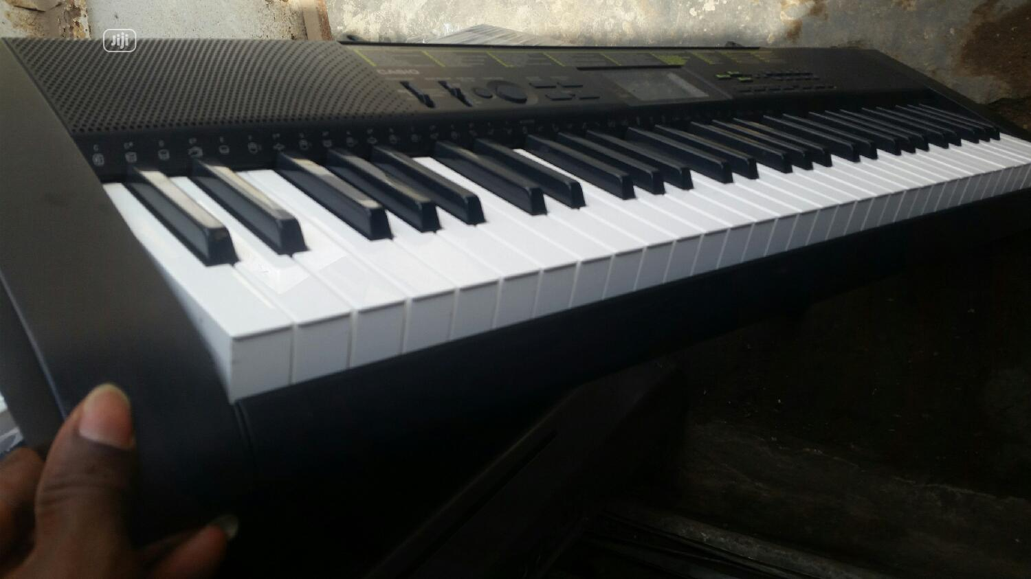 London Use Casio CTK 1100 | Musical Instruments & Gear for sale in Alimosho, Lagos State, Nigeria