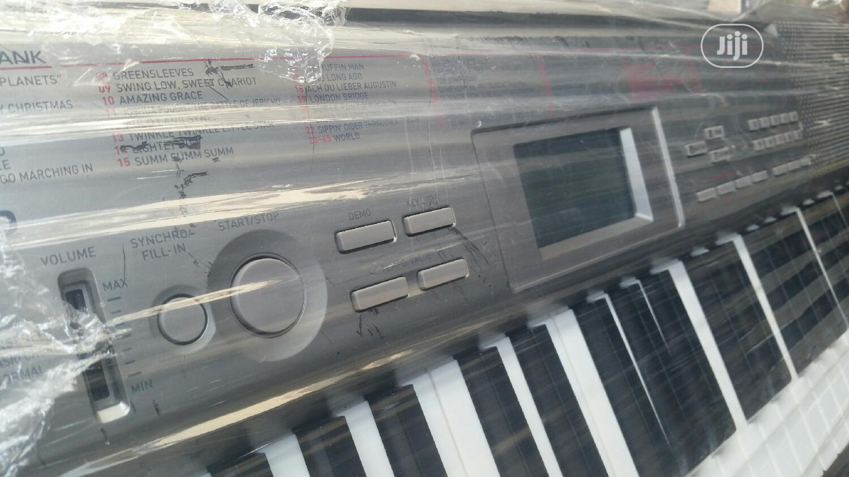 London Use Casio LK 120