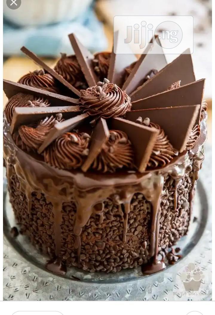 Fluffy Chocolate Cakes