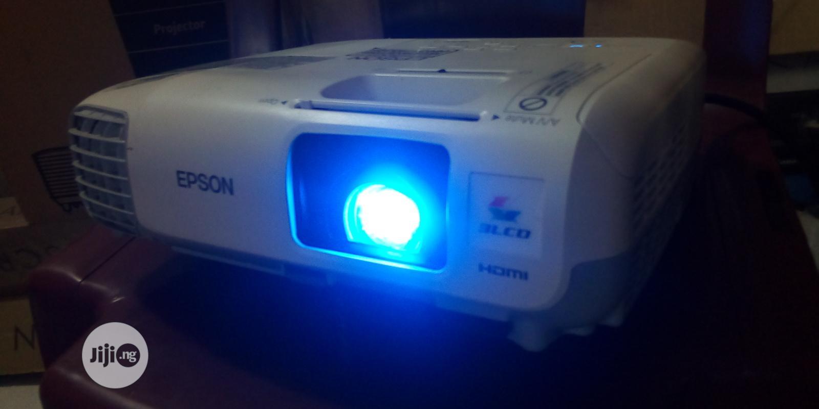 Unique Epson Projector