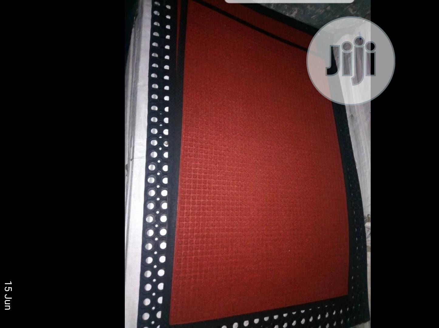 Archive: Floorgard Footmat 75 by 120cm