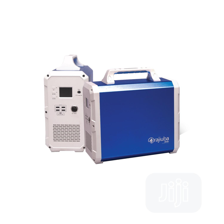 Portable Solar Generator (MAXXI 1500wh) Inverter/ Lithium Ion Battery.