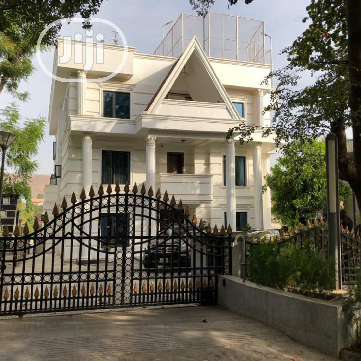 9 Bedroom Mansion With Cofo At Main Maitama Abuja | Houses & Apartments For Sale for sale in Central Business Dis, Abuja (FCT) State, Nigeria