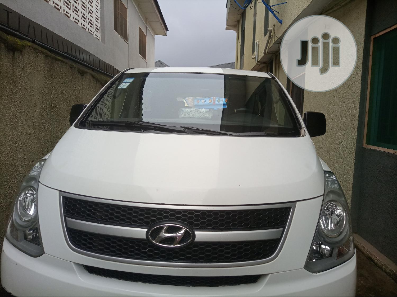 Hyundai Hi 2014 White