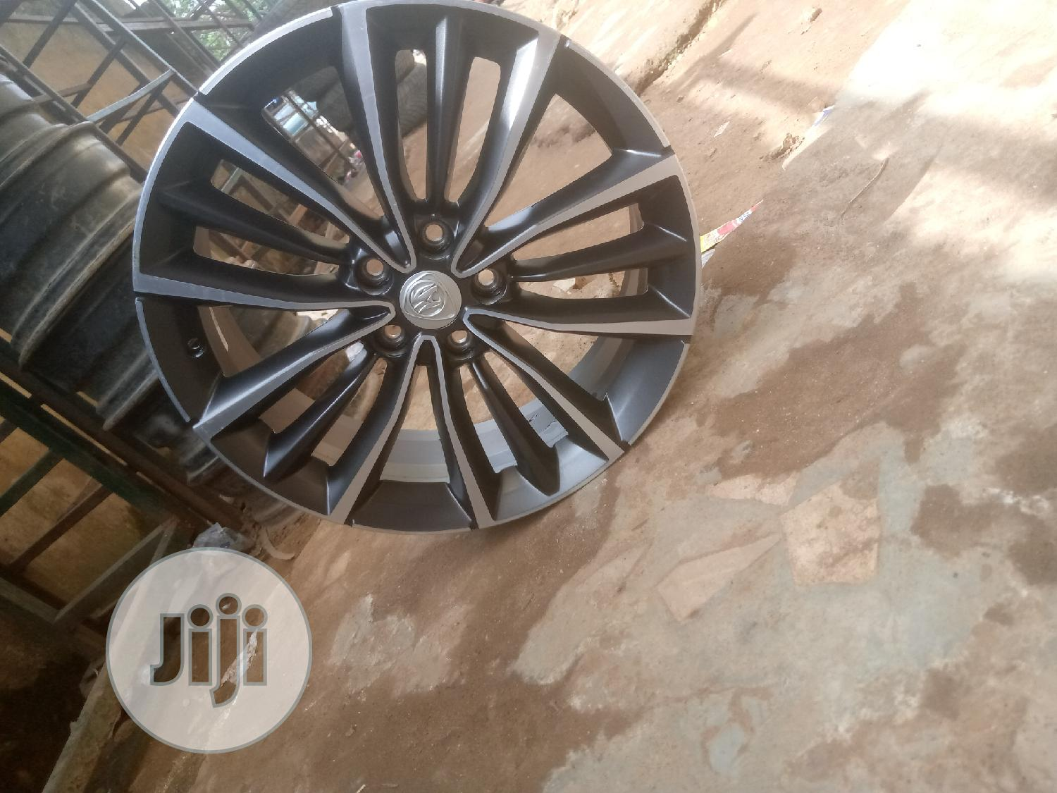 19 Inches Alloyed Rim for Toyota Venza/Lexus RX350 | Vehicle Parts & Accessories for sale in Mushin, Lagos State, Nigeria