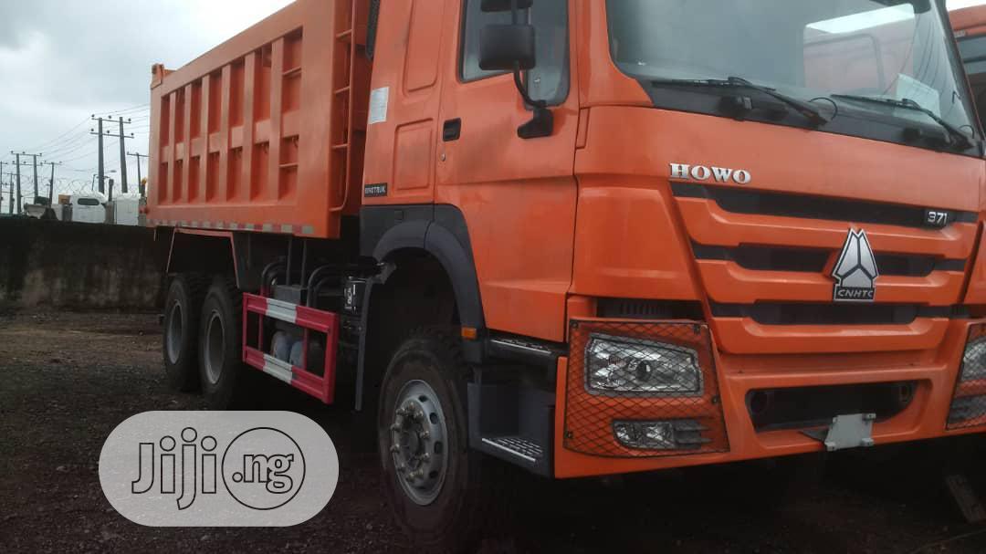 Brand New 371 HOWO Sinotruck Ten Tyres Tipper Truck 30tons