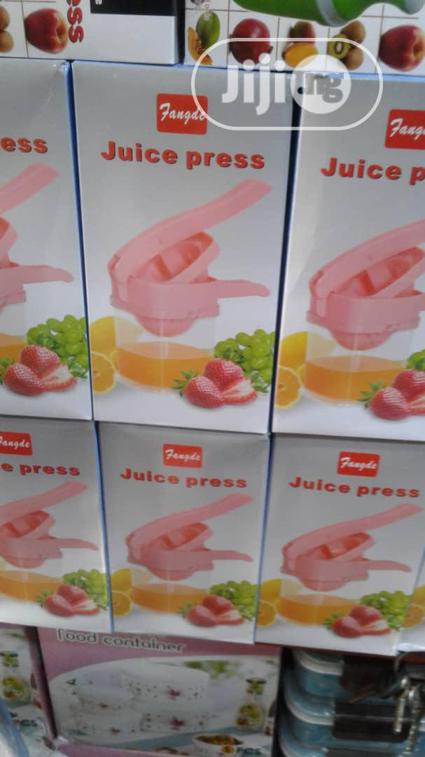 Archive: Manual Juice Extractor