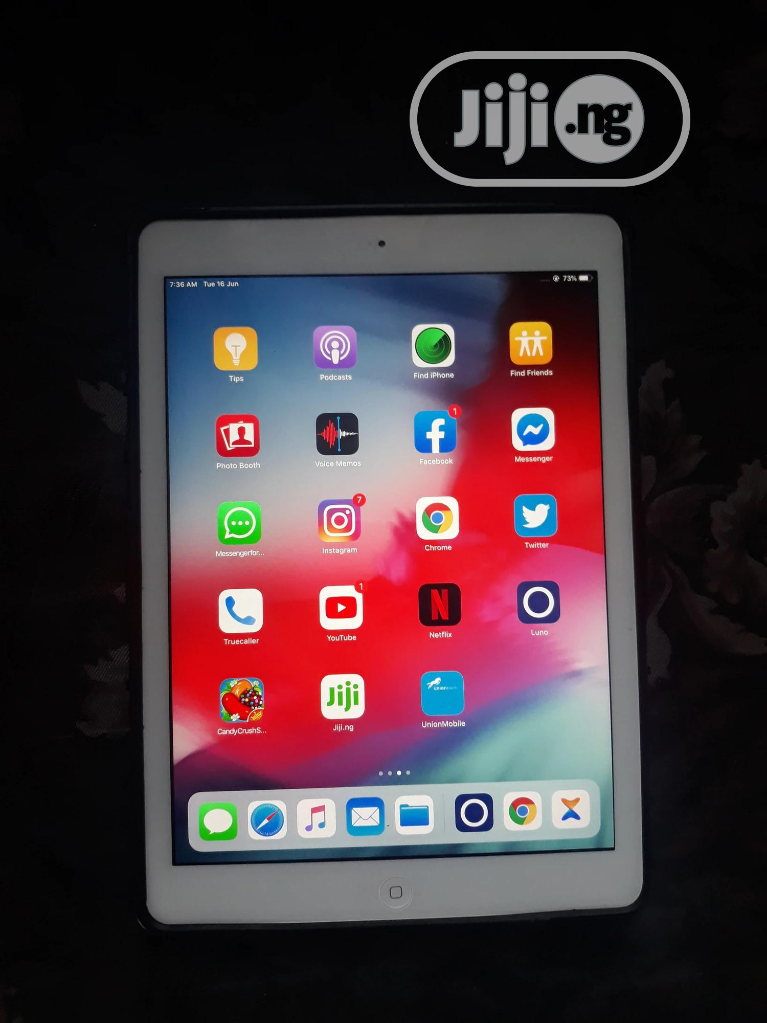 Archive: New Apple iPad Air 16 GB Gray