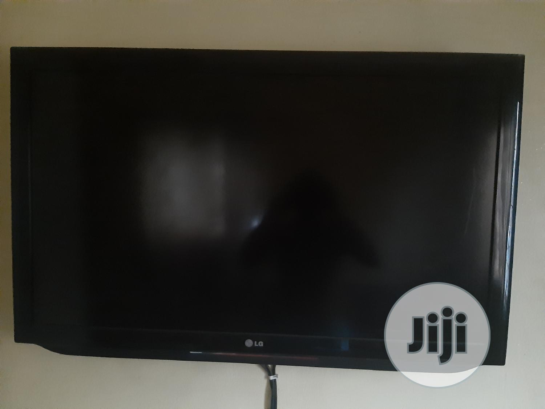 "Archive: LG LED 42"" TV"