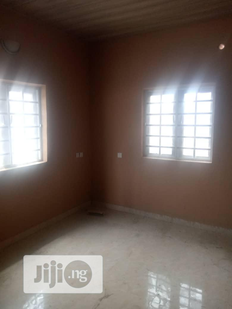 Neat Spacious Room Parlour Self Contain to Let