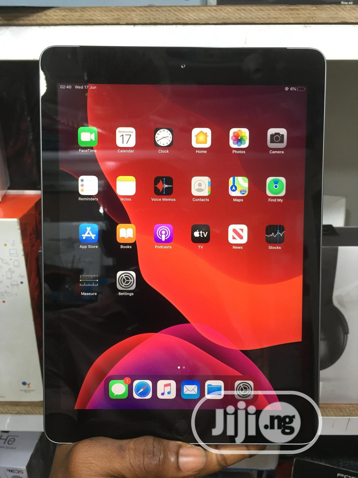 Apple iPad 9.7 32 GB Gray | Tablets for sale in Ikeja, Lagos State, Nigeria